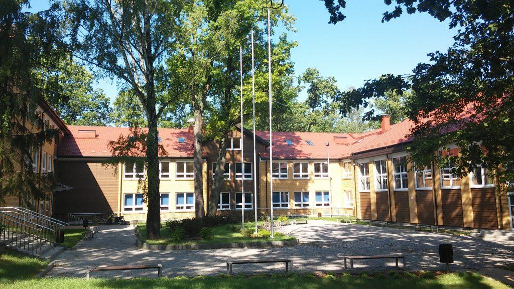 nowa część szkoły w Zalesiu Górnym foto Łukasz Wyleziński