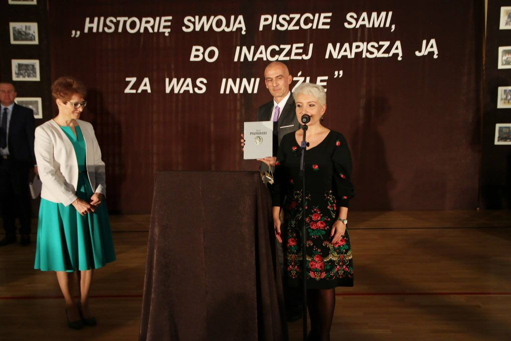 100-lecie szkoły Szkoły Podstawowej nr 1 i nadanie imienia Józefa Piłsudskiego