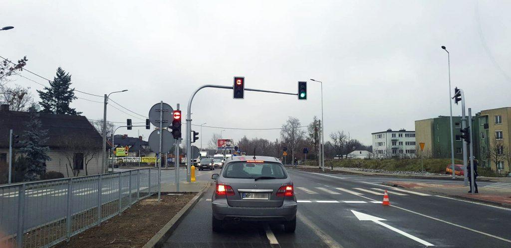 Sygnalizacja świetlna na skrzyżowaniu ulic Okulickiego z Julianowską