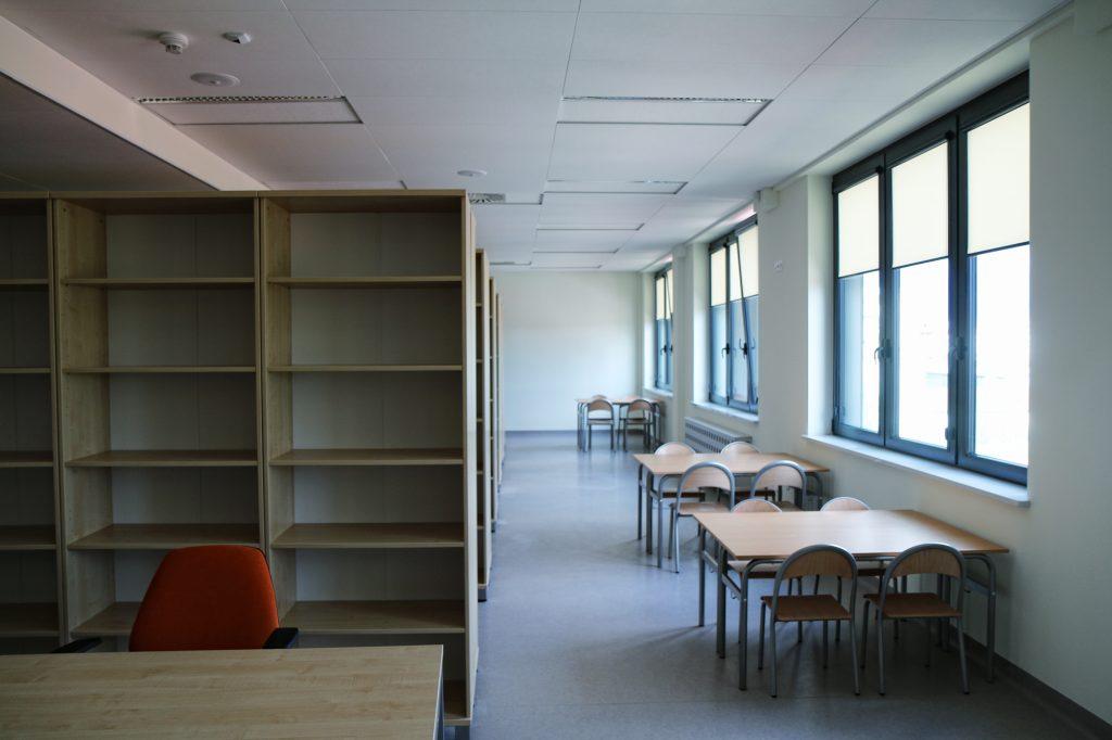 Szkolna biblioteka w CEM