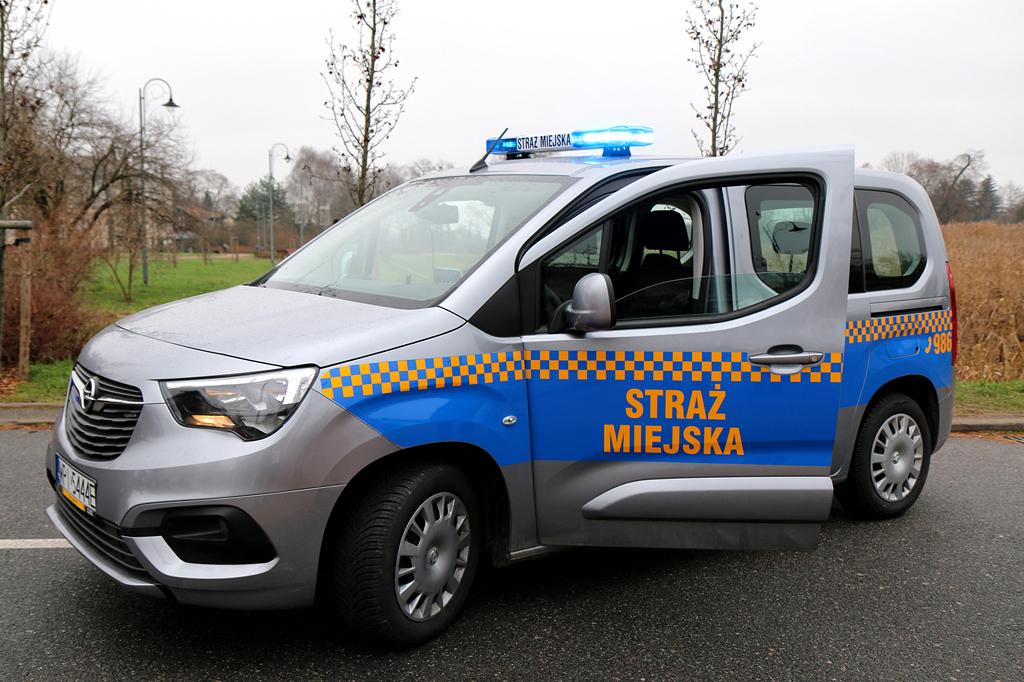 Opel Combo Life nowe auto w Straży Miejskiej foto: Marcin Borkowski